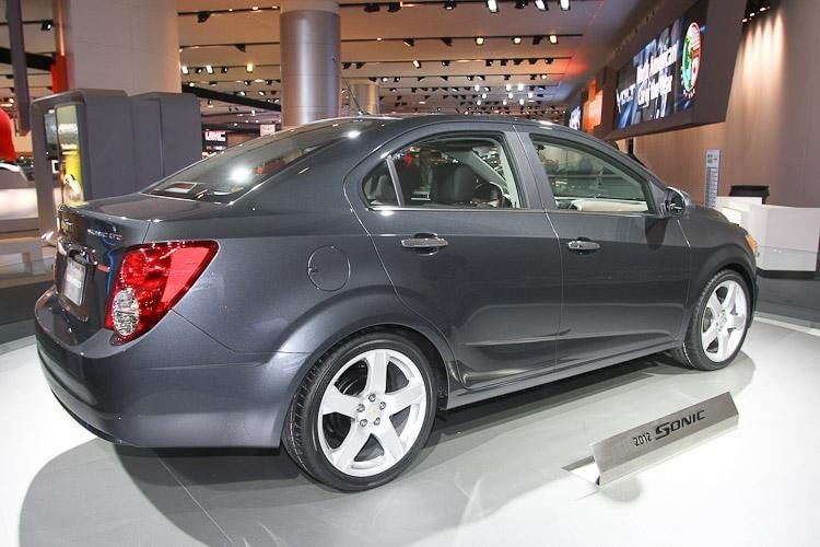 2012 chevrolet sonic ltz turbo hatchback photo gallery autos post. Black Bedroom Furniture Sets. Home Design Ideas
