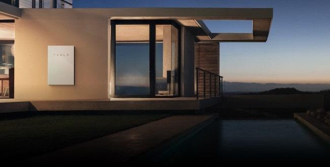 Tesla: il tetto solare per alimentare casa e auto con fonti rinnovabili