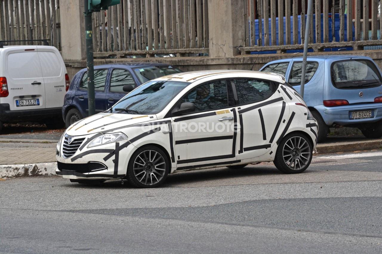 Lancia ypsilon sport si far for Lancia y momo design interni