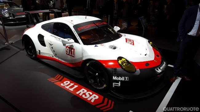 porsche 911 rsr ecco la pi estrema delle porsche per la 24 ore di le mans. Black Bedroom Furniture Sets. Home Design Ideas
