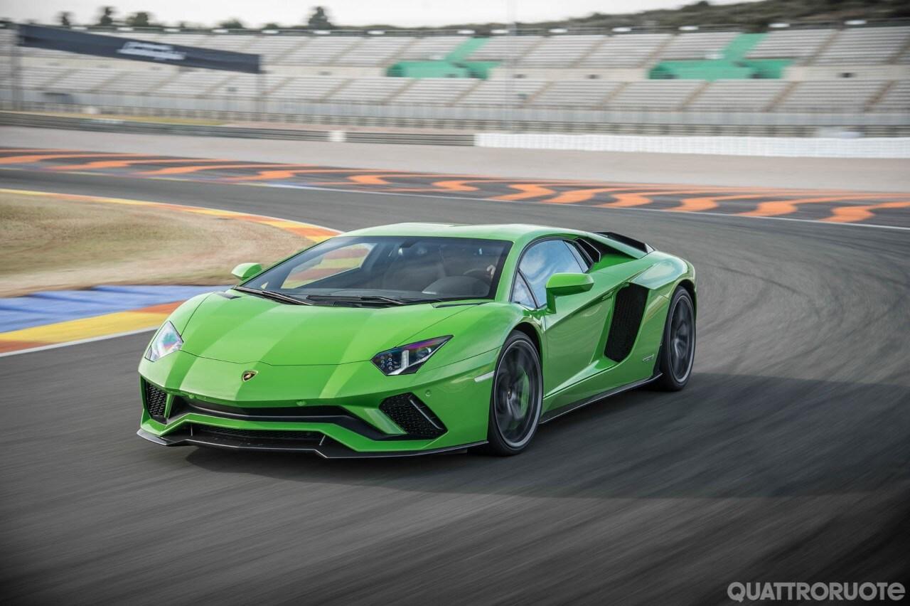 Lamborghini Aventador S In Pista Con La Pi Amp Ugrave Quot Lambo Quot Di Tutte Video Eventi