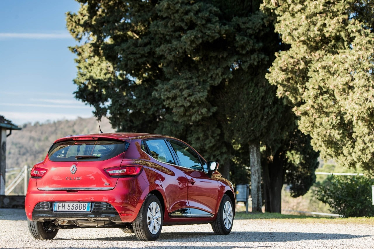 See the top 50 best selling models by clicking on the title - The Renault Clio Signs The Largest Year On Year Gain In The Top 10