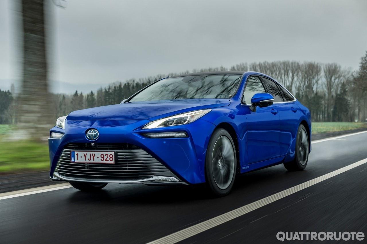 Toyota Mirai - Cresciuta, in tutti i sensi
