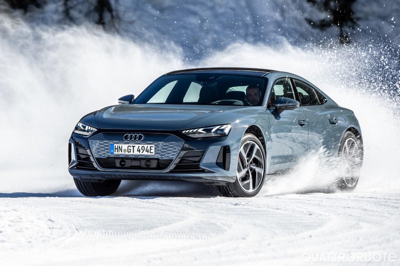 Audi e-tron GT - Sulla neve con la gran turismo a elettroni - VIDEO