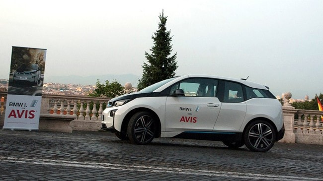 bmw i3 a noleggio con avis a roma e milano. Black Bedroom Furniture Sets. Home Design Ideas