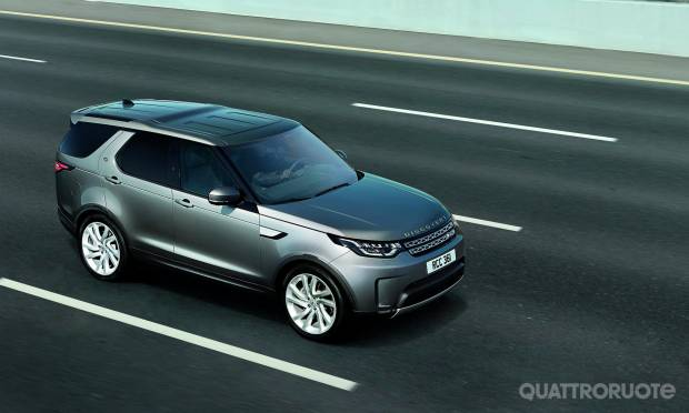 Land Rover Discovery Commercial (2017)