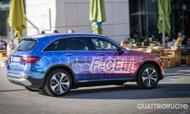 Mercedes-Benz GLC F-Cell (2018)