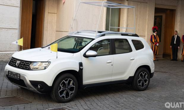 Dacia Duster Papamobile (2019)