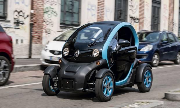 Renault Twizy - Al volante della piccola elettrica