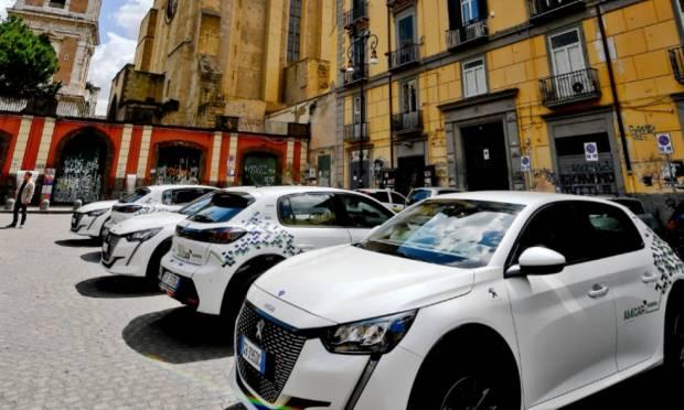 Amicar - A Napoli raddoppia il car sharing elettrico