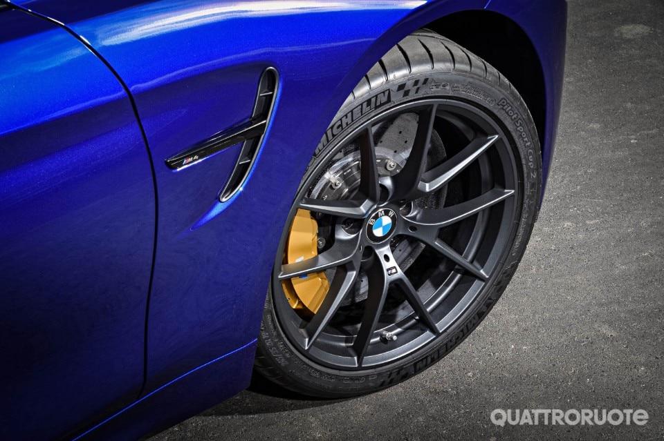 2017-BMW-M4-CS-38
