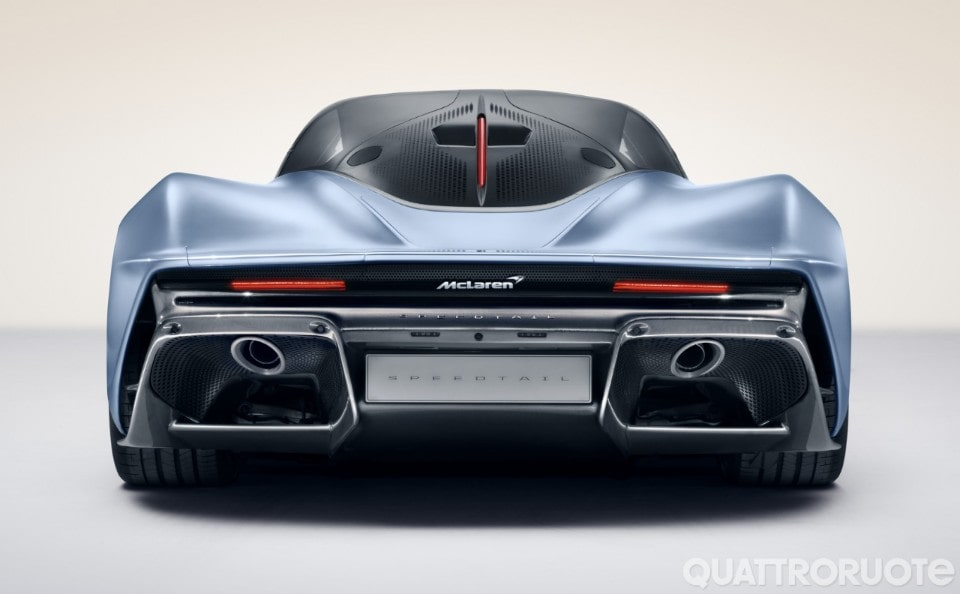 2018-McLaren-Speedtail-001