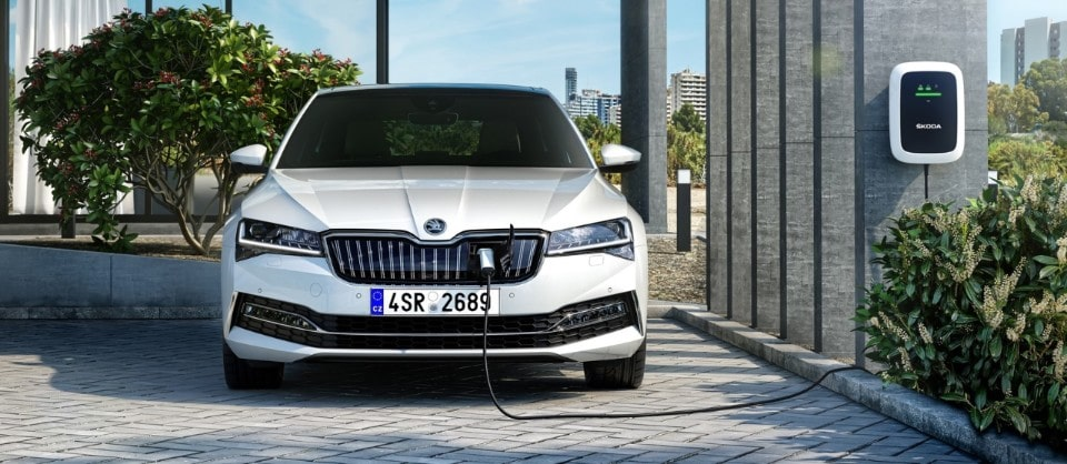 2019-Skoda-Superb-iV