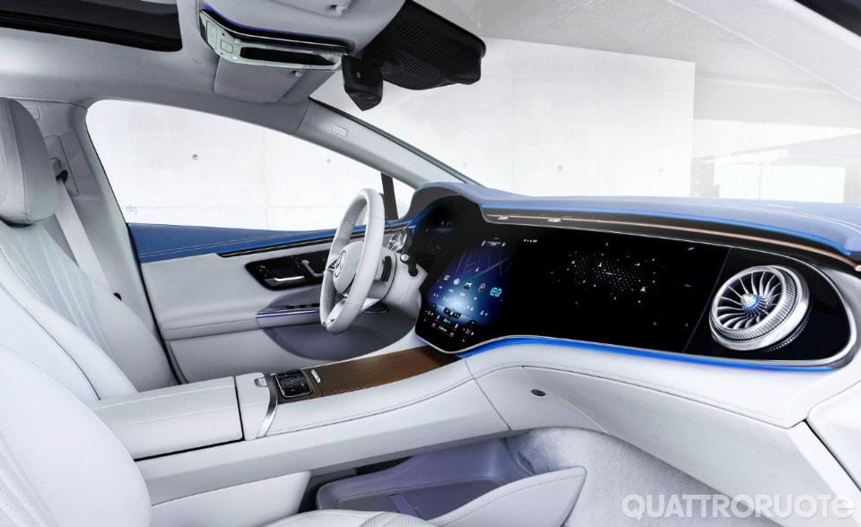 2021-Mercedes-Benz-EQE-03
