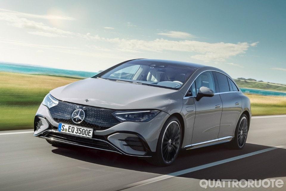 2021-Mercedes-Benz-EQE-04