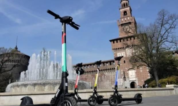 Milano - Monopattino? Favorisca targa e assicurazione