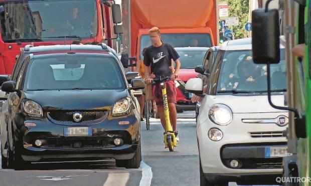 Milano - Monopattini ok, ma l'auto non va penalizzata